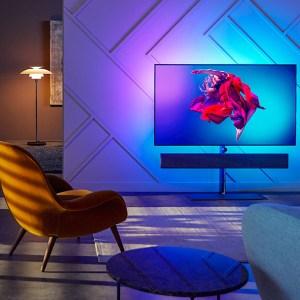 Home cinéma : TV, projecteur, enceintes… nos conseils pour une bonne installation