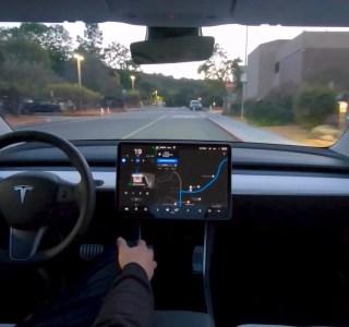 Autopilot Tesla: pourquoi son prix augmente-t-il et continuera d'augmenter?