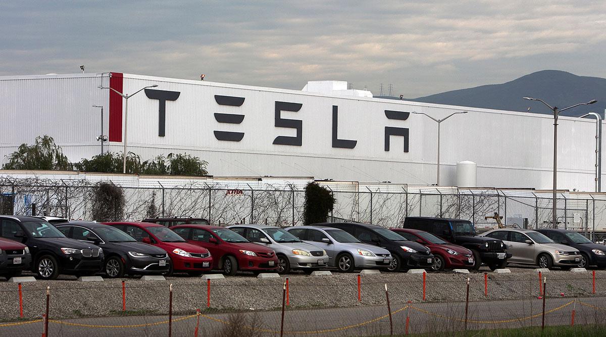 Tesla voudrait braver les règles de confinement et reprendre sa production à Fremont
