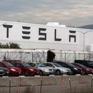 Tesla : son usine en Californie pourra finalement rouvrir la semaine prochaine