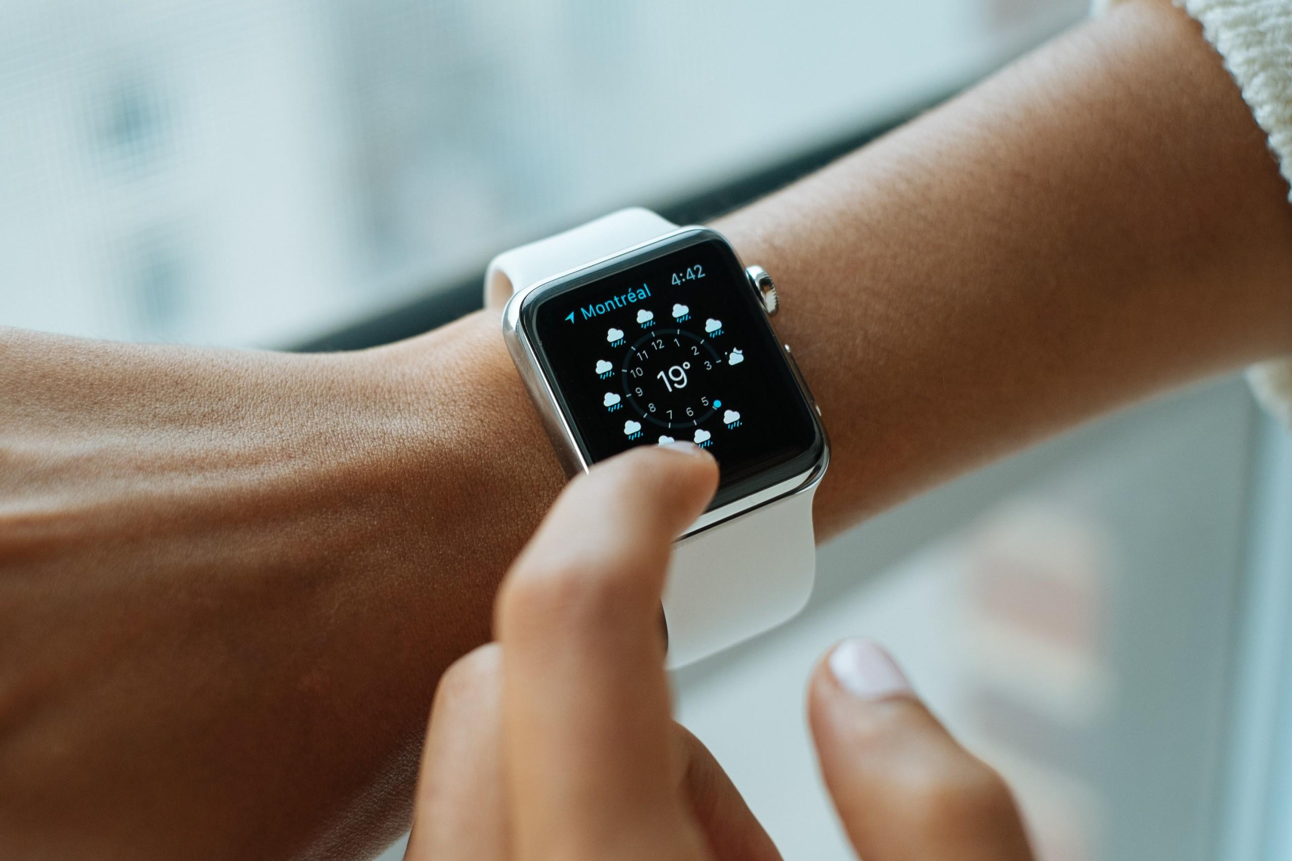 Votre Apple Watch pourrait détecter les symptômes du Covid-19 avant vous
