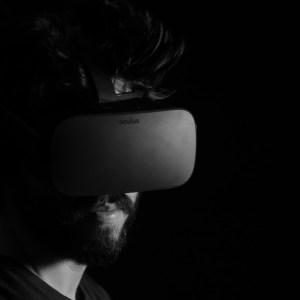 Comment Facebook veut utiliser la réalité augmentée et virtuelle pour transfigurer le télétravail
