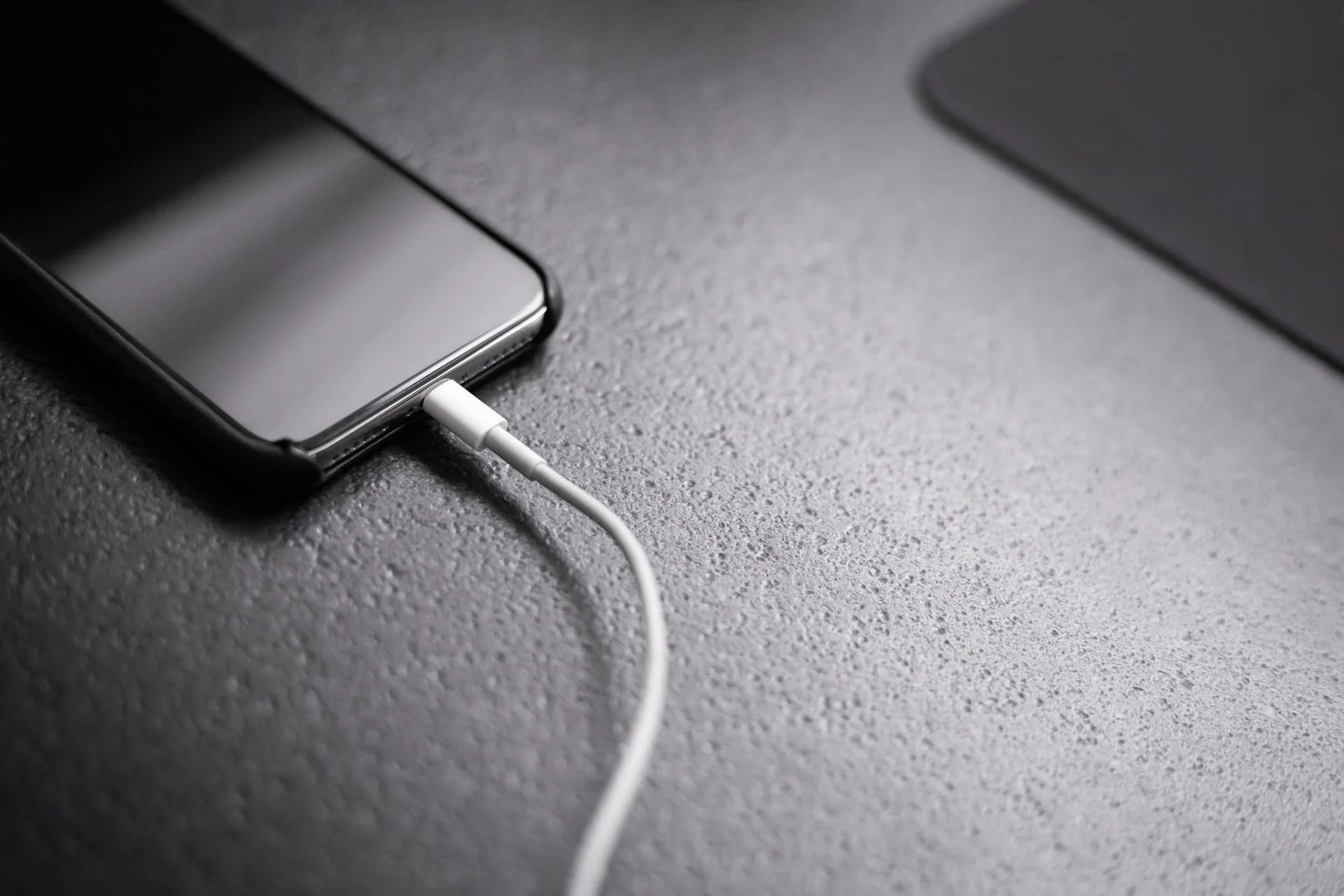 Apple travaillerait enfin à rendre ses câbles Lightning plus solides