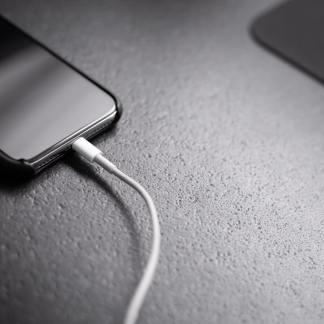 Vous êtes majoritairement hostiles à la fin du chargeur dans les boîtes de smartphones