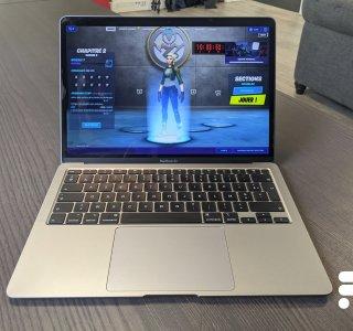 Apple met en garde: un cache-webcam peut abîmer votre MacBook