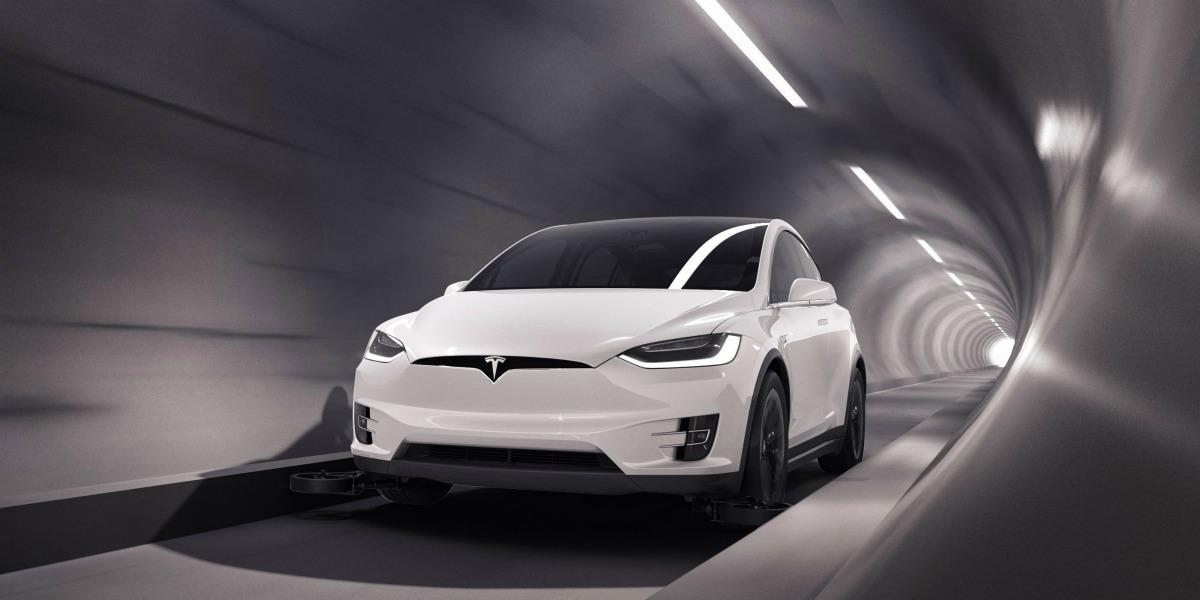 Tesla développerait un van électrique de 12 passagers pour les tunnels de Boring Company