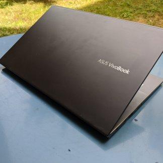 Test de l'Asus VivoBook S14 2020 : savoir faire des concessions