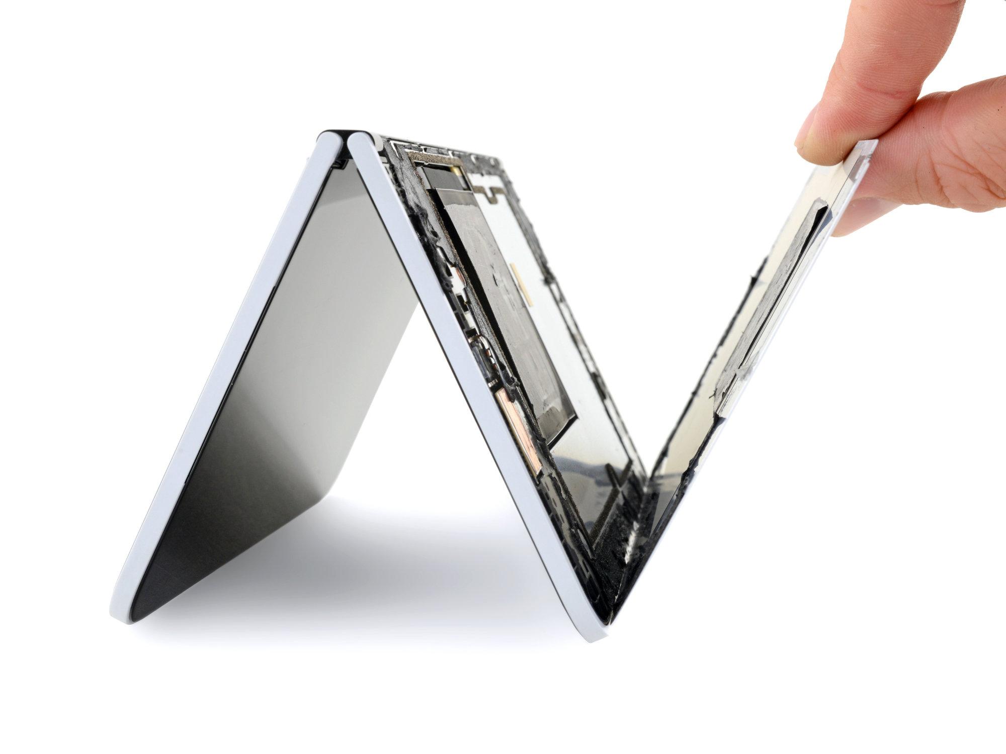 iFixit démonte le Surface Duo : la réparation n'est pas simple