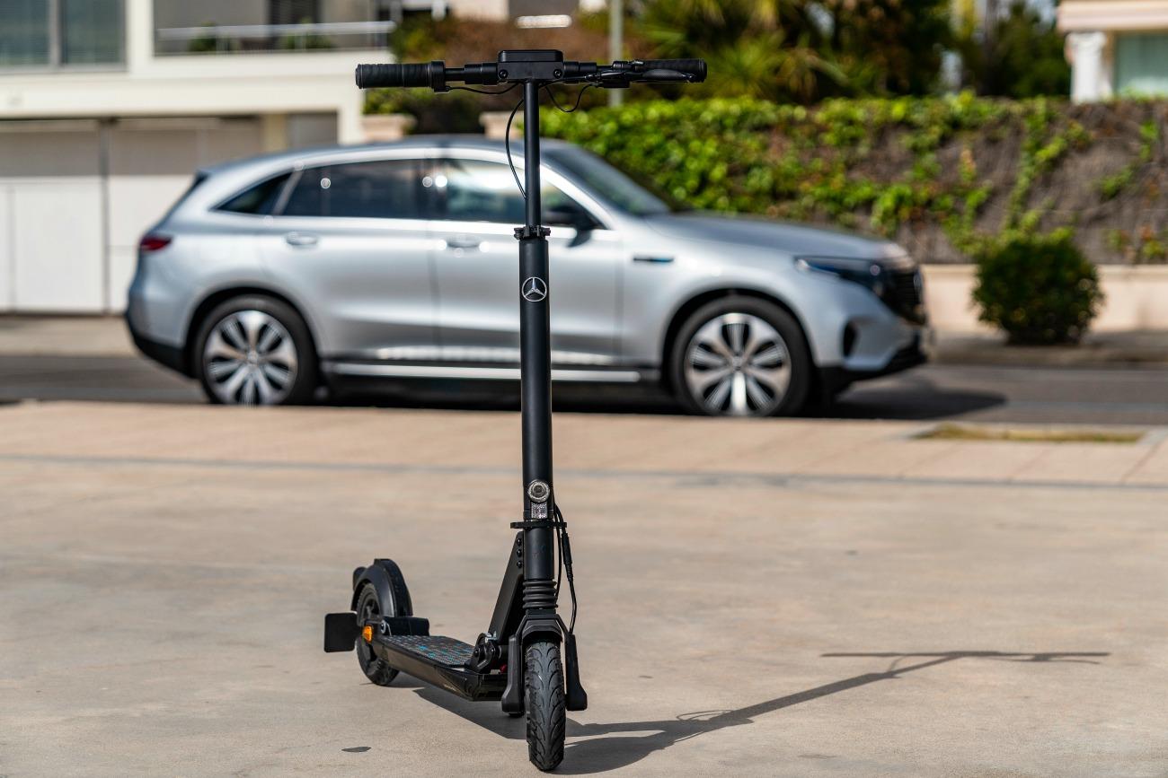 Comme Seat, Mercedes tente sa chance dans les trottinettes électriques