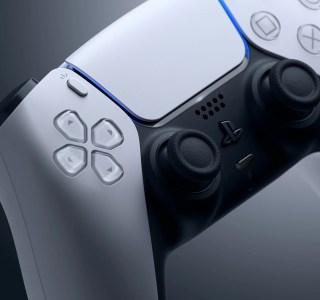 Microsoft demande aux fans Xbox leur avis sur la DualSense de la PS5
