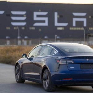 Une Tesla plus compacte pour l'Europe? Elon Musk y pense fortement