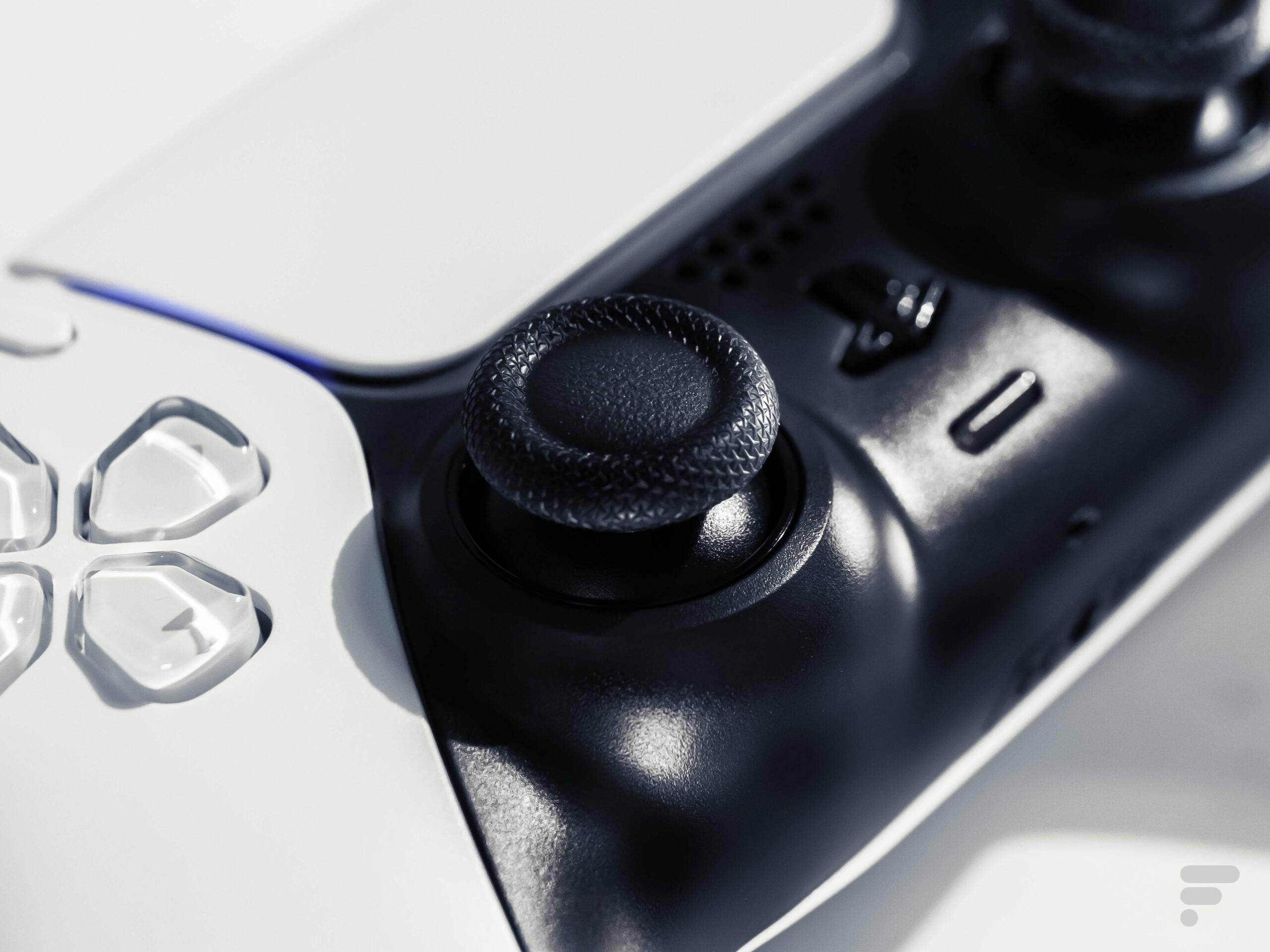 PS5 : la manette DualSense aurait un problème de drift