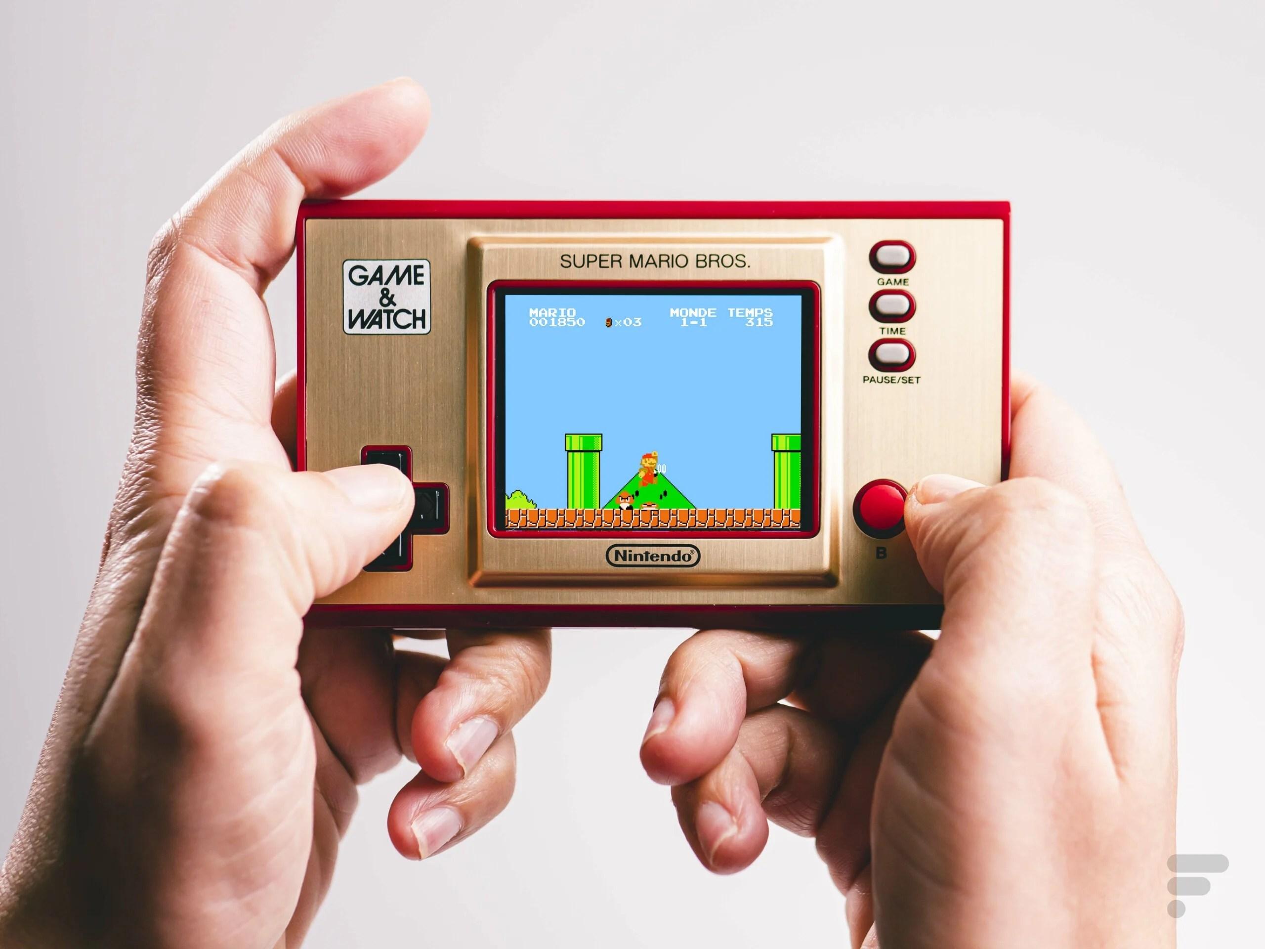 Test de la Game & Watch Super Mario Bros : la mini-nostalgie en main