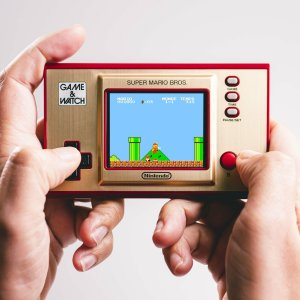 Test de la Game & Watch Super Mario Bros : la mini-nostalgie en main