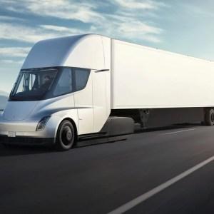 Tesla Semi: Musk prévoit 1000km d'autonomie pour son camion électrique