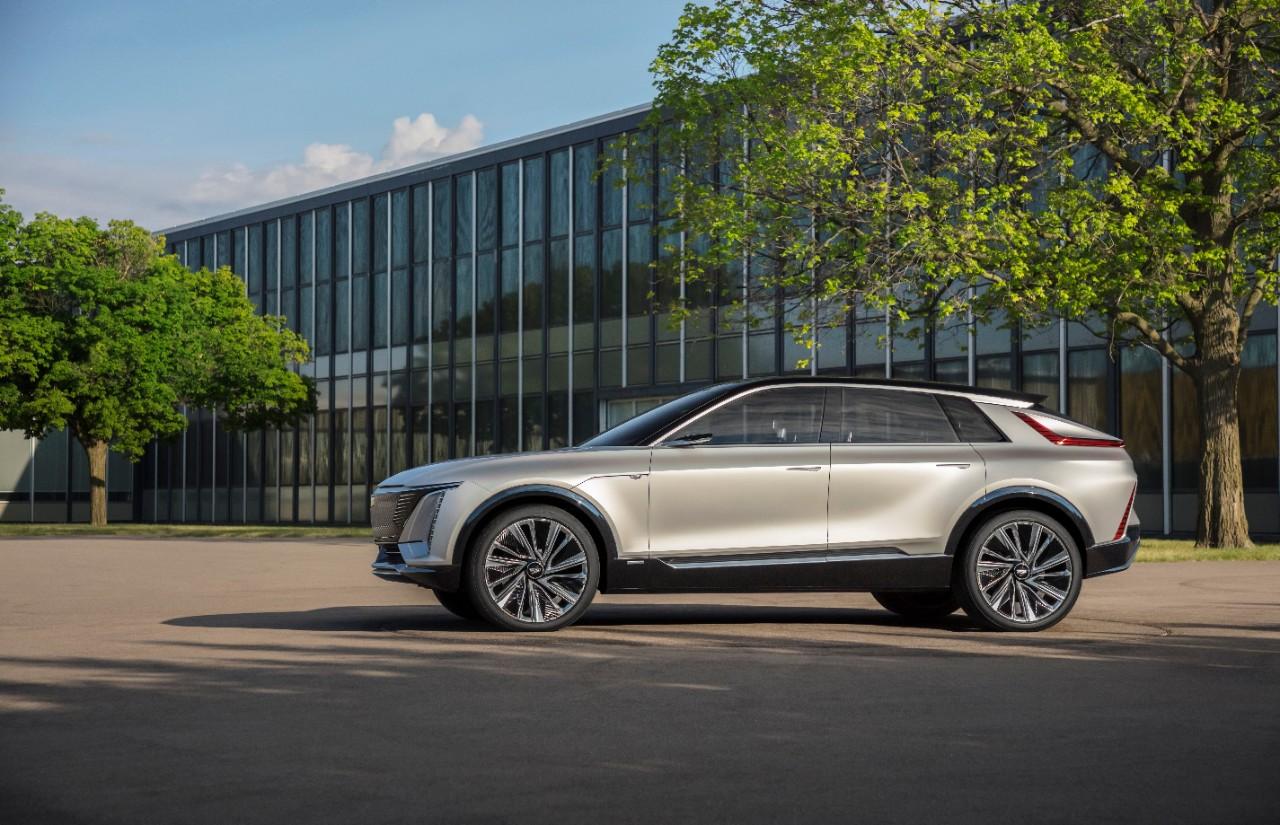 Cadillac Lyriq: est-elle vraiment la voiture électrique de luxe qu'elle prétend être?