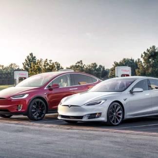 Tesla viderait les stocks des Model S et Model X: un restylage semble très proche
