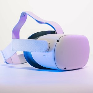 « Hey Facebook » : les interactions vocales se simplifient sur les casques VR Oculus