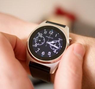 Test de la MontBlanc Summit Lite: une montre connectée à 800euros qui peine à se distinguer