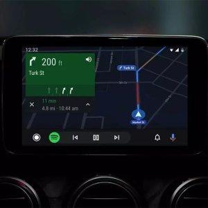 Android Auto : routines, jeux vocaux, fond d'écran… Google peaufine son interface dédiée à l'automobile
