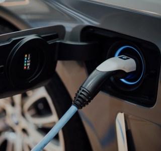 L'Europe veut des chargeurs pour véhicules électriques partout d'ici 2030