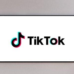 TikTok débarque sur votre téléviseur avec Android TV ou Google TV, mais aussi chez Samsung