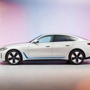 La BMW i4 électrique dévoilée : Tesla n'a qu'à bien se tenir