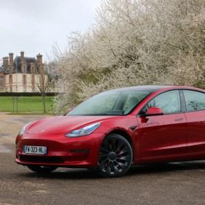Tesla améliore encore l'autonomie de la Model 3 sans changer le prix