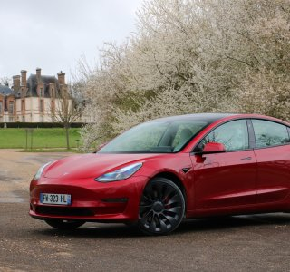 Essai de la Tesla Model 3 (2021) Performance: une évolution tout en technologie