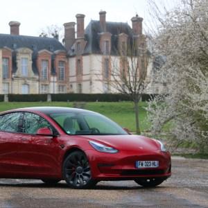 Imbattable, la Tesla Model3 enchaîne les succès en France