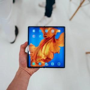 Huawei ne connaît pas la crise grâce à son marché domestique