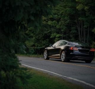 Comment préparer ses longs trajets en voiture électrique?
