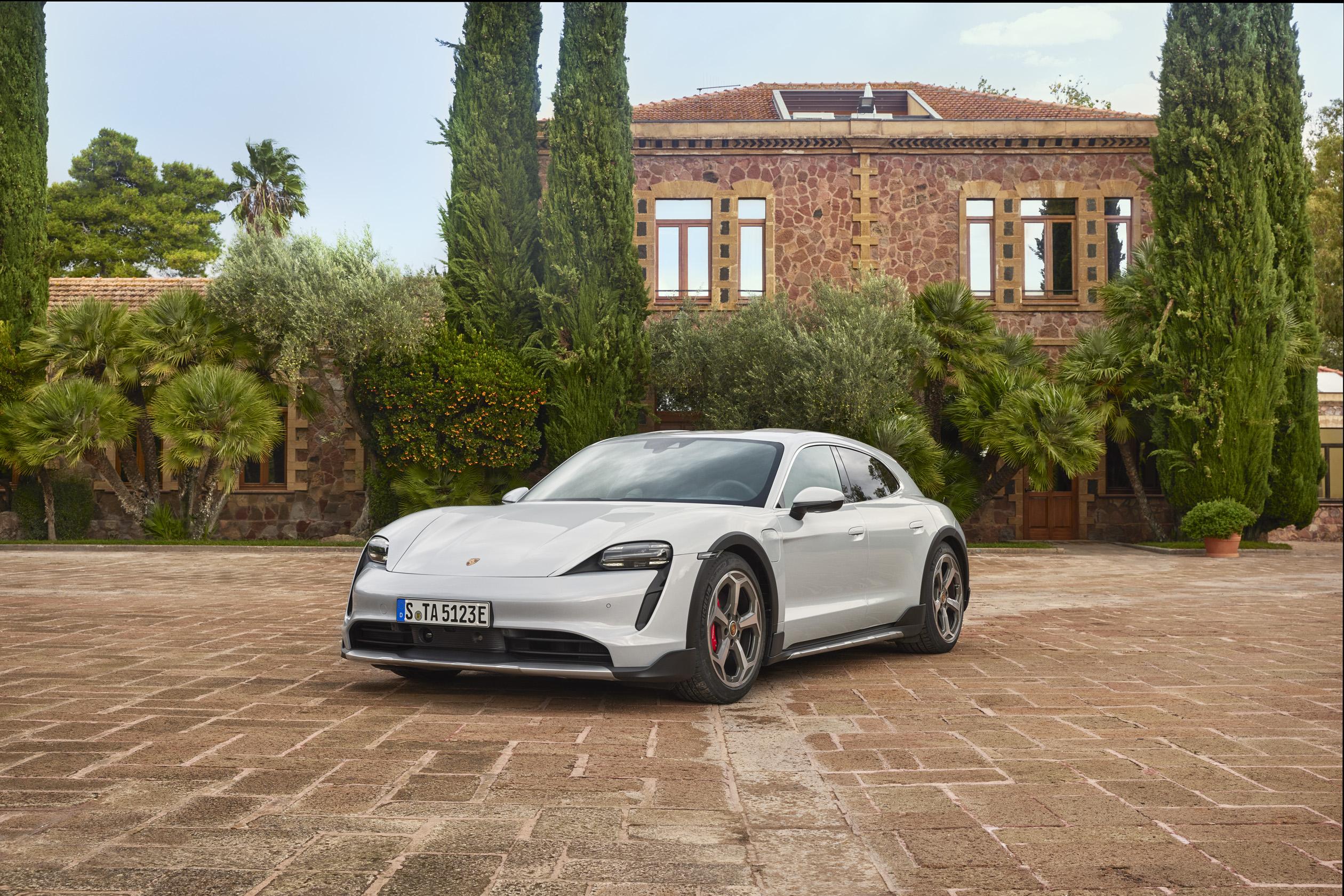 Porsche Taycan Cross Turismo: son prix passe du simple au double selon la version
