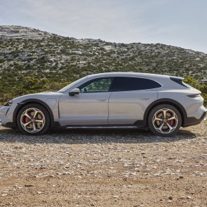 Porsche Taycan Cross Turismo officialisée : « have a break » électrique