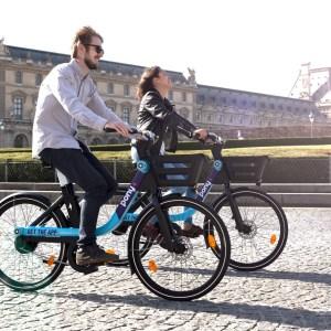 Pony: ses vélos électriques à partager débarquent à Paris avec un prix unique par trajet