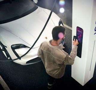 Porsche imite Tesla et va créer son propre réseau de charge rapide