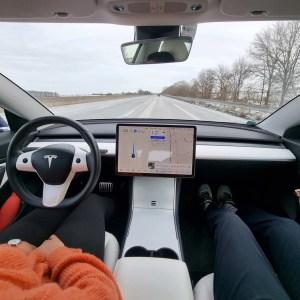 Accident Tesla: pourquoi les rapports sur la sécurité de l'Autopilot sont biaisés?