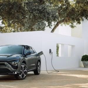 Citröen C5 X : pas de 100 % électrique, mais de l'hybride rechargeable pour ce SUV-berline-break