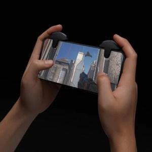 OnePlus : ces gâchettes officielles transforment le smartphone en manette