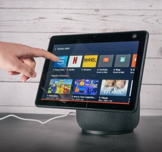 Test du Amazon Echo Show 10: l'enceinte qui fait tourner la tête d'Alexa