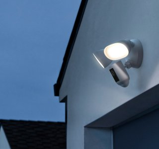 Ring Floodlight Cam Wired Pro : la caméra d'extérieur ultra-perfectionnée arrive en France