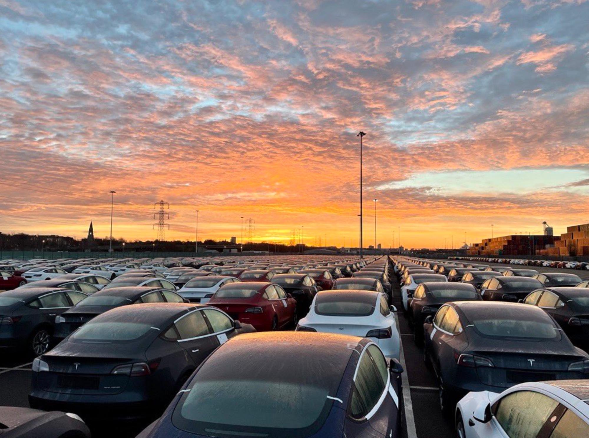 Tesla dévoile des chiffres trimestriels records en période morose pour l'automobile