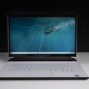 Test du Dell Alienware m15 R4 : l'épreuve du feu pour le premier clavier mécanique sur PC portable