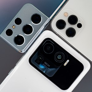 Xiaomi Mi 11 Ultra, Galaxy S21 Ultra ou iPhone 12 Pro Max : découvrez notre comparatif photo