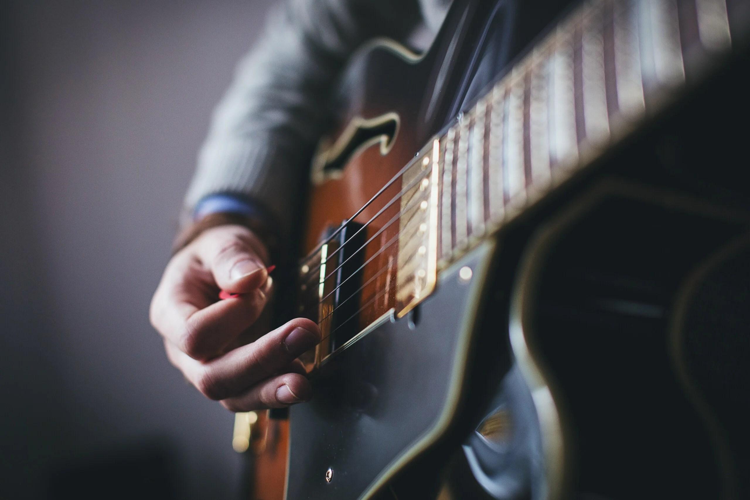 Les meilleures applications pour apprendre la guitare