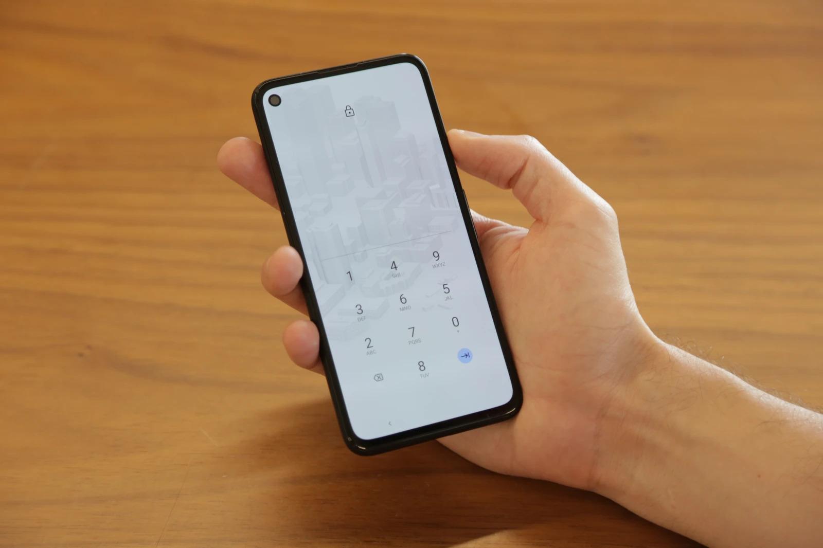 Le FBI vend un smartphone pour espionner, Leroy Merlin annonce une alarme, Windows 11 délaisse les tuiles- Tech'spresso