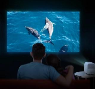 Mi Smart Projector 2 : Xiaomi officialise un vidéoprojecteur compact sous Android TV avec Dolby Atmos