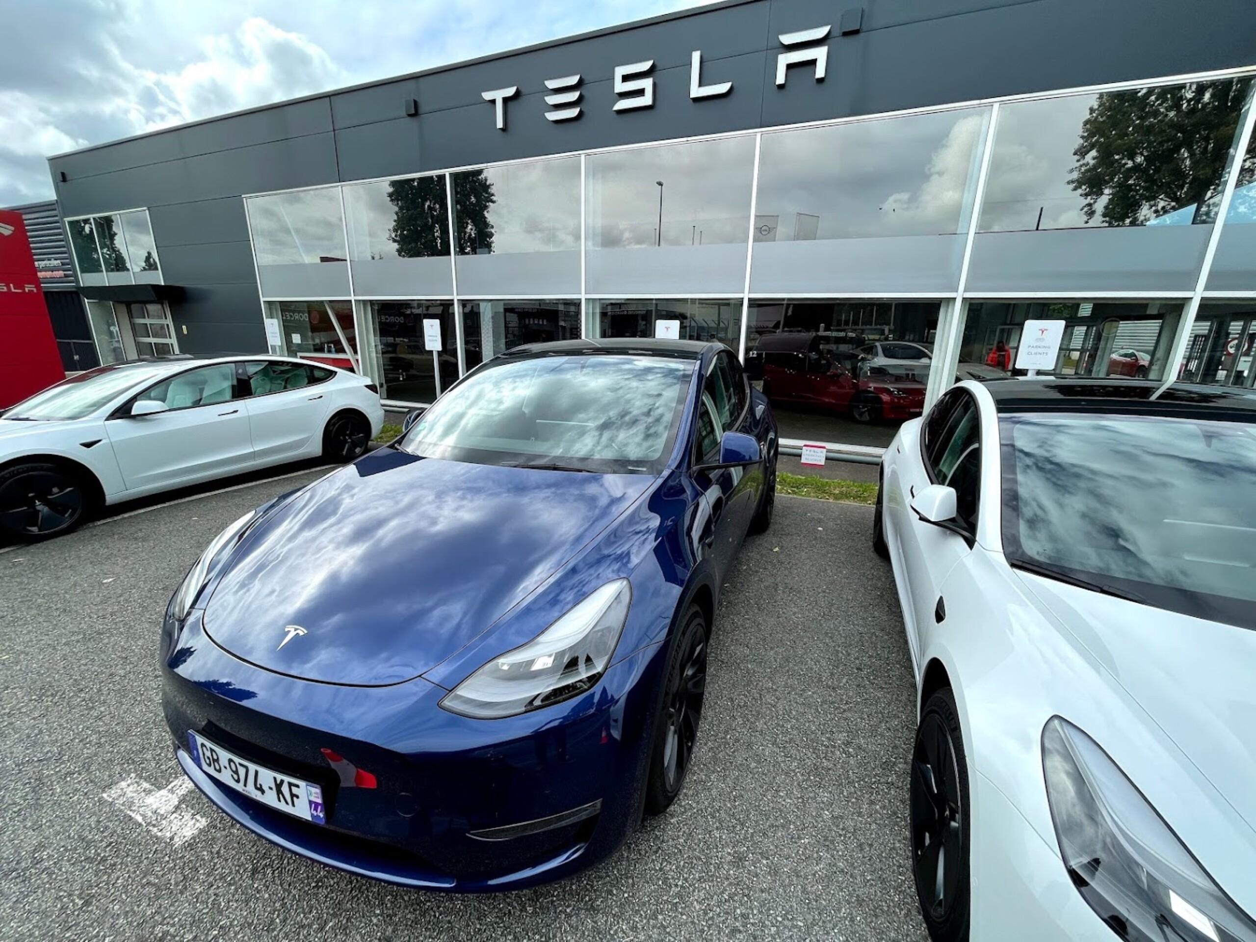 Nous avons vu la Tesla Model Y, ce n'est définitivement pas une Model 3 «plus haute»