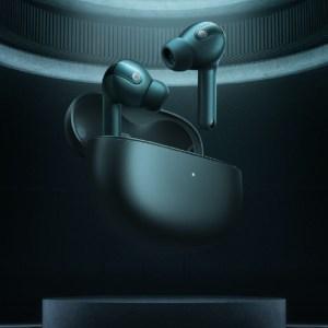 Xiaomi lance ses écouteurs à réduction de bruit adaptative et une nouvelle montre connectée