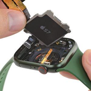 L'Apple Watch Series7 n'a pas seulement un nouvel écran OLED, iFixit a trouvé d'autres changements